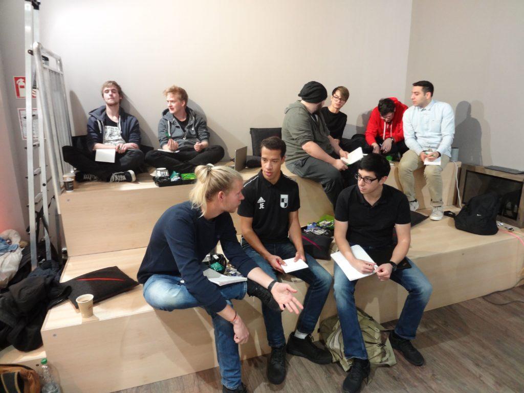 Teambildung und Kreativitätsphase für den Workshop